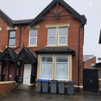 One bedroom flat on Reads Ave